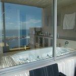 Aussicht von Badezimmer über die Terrasse