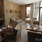 Villa 3 Dining Area