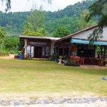 vr.minimart&restaurant  at klongdaobeach resort