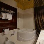 secondo bagno con vasca idromassaggio