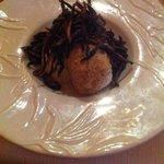 Filet de daurade royale au cacahuètes, citron confit et gingembre, royal de butternut et crousti