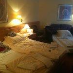 Suite = Dreibett-Zimmer (mit unkomfortablen Schlafcouch)