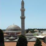 O minarete da mesquita de Suleiman, visto da Torre do Relógio.
