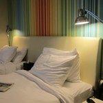 bonitos muebles , camas comodas