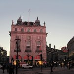 Piccadilly Circus, hotel building extends on Regent St