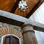 La Merced bano ceiling (above shower).
