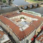 Vue de l'hôtel depuis la coupole de la Frauenkirch