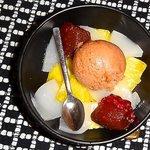 Pineapple, pears and cinnamon ice cream