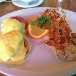 Egg Benedict California style