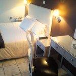 Photo de Adonis Hotel