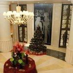 Foyer, weihnachtszeitlich..