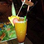 Cocktail spécial Lagon et ses amuses bouche :)