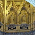 Los 12 apóstoles en la parte interna de la cúpula central