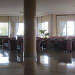 Lounge bar hotel zephir