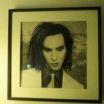 Marilyn Manson im Schlafzimmer