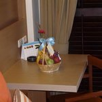 hotel complementary fruit bowl