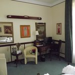 Room 22 desk & seating