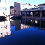 la piazza di Bagno Vignoni
