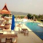 เป็นโรงแรมที่สวยมาก ชอบมากสระว่ายน้ำ