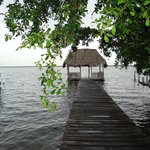 Ponton sur la lagune