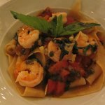 Pasta with Shrimp in Tomato Basil Sauce