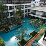 view from level 4 annexe wing, all rooms have pool views