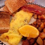 Veggie omlet, toast, bacon, & homefries!!!