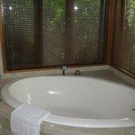 Soaker tub - divine