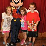We met Mickey Mouse!!!!