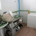 kitchen where crockery etc washed ( no hot water !! 1 tap )