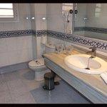 ROOM H110 .... OUR BATHROOM