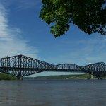Vue magnifique sur les deux ponts de Québec