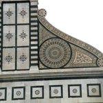 Detalle renacentista de la fachada de Alberti