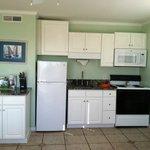 306 Full Kitchen