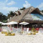 Sirviendo a la comunidad cozumeleña y al turismo que nos visita