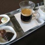 Café Découverte, 4 chocolates y su café