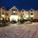 Hotel zimą.