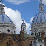 El cielo y las cúpulas de la catedral de Cuenca