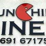 Munchies Logo & Telephone Number