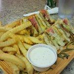 Fried Chicken Club w/ fries
