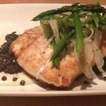 Flounder with lentils and asparagus