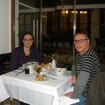 cenando en el comedor Pasazade
