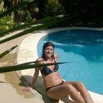 bella piscina tranquilla e rinfrescante