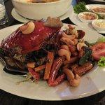 ภาพถ่ายของ Ruantalay Sea food on the sea