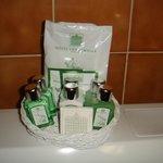 Косметическая корзинка в ванной