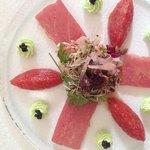 Carpaccio et tartare de thon à la crème de wasabi