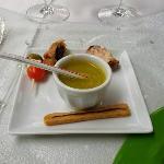 Aamuse-bouches (notez la paille en plastique pour la soupe)
