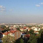 Вид из окна на всю Софию очень впечатляющий и воодушевляющий))
