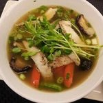 Wor Won Ton Soup – Chicken broth, chicken dumplings with shrimp & fresh vegetables.