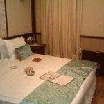 Large hammam bedroom